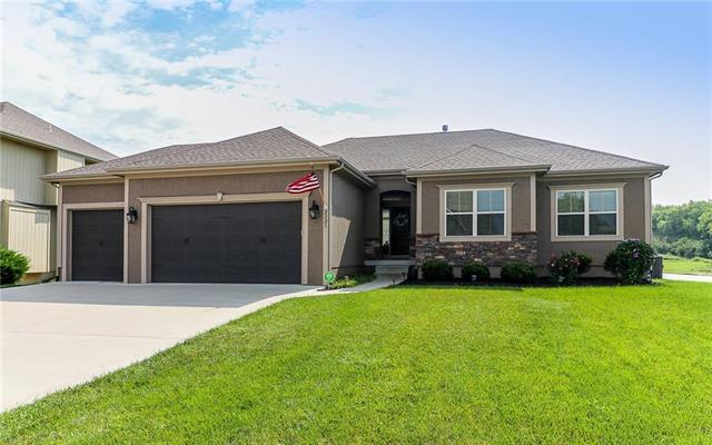 2223 SW Feather Ridge Road, Lee's Summit, MO 64082 (#2153635) :: Kansas City Homes