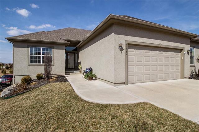 21882 W 116th Terrace, Olathe, KS 66061 (#2153657) :: Eric Craig Real Estate Team