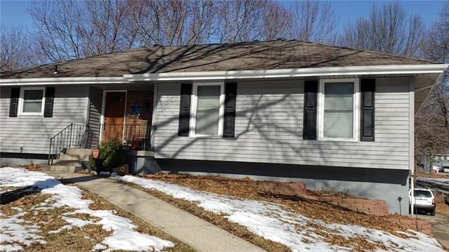 401 SE Westminister Road, Blue Springs, MO 64014 (#2153704) :: Kansas City Homes