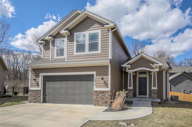12614 Charlotte Street, Kansas City, MO 64146 (#2153732) :: Kansas City Homes