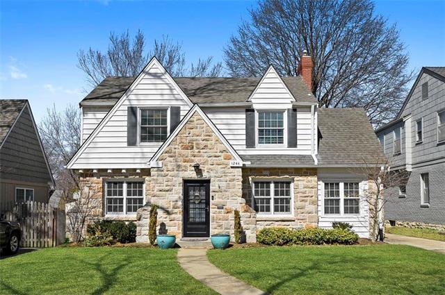 1244 W 71st Terrace, Kansas City, MO 64114 (#2153742) :: Kansas City Homes