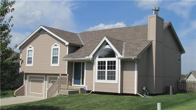 812 NE 116th Terrace, Kansas City, MO 64155 (#2153829) :: Edie Waters Network