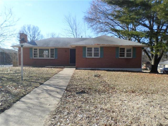 7529 Greeley Avenue, Kansas City, KS 66109 (#2153841) :: Edie Waters Network