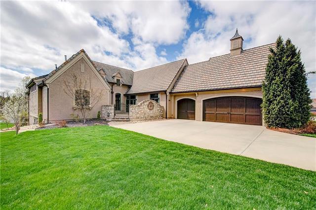 4045 W 151st Terrace, Leawood, KS 66224 (#2153852) :: Eric Craig Real Estate Team