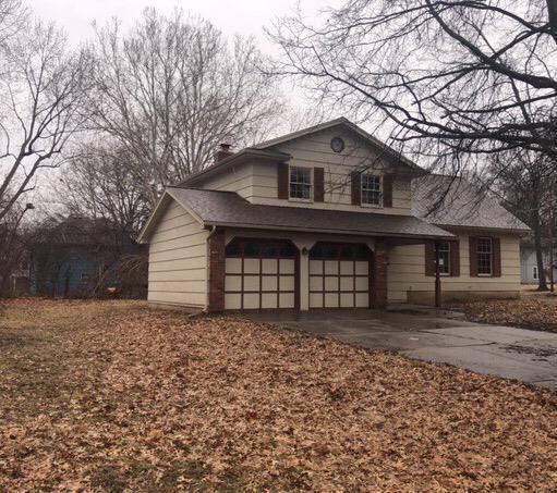 10300 Lamar Avenue, Overland Park, KS 66207 (#2153872) :: House of Couse Group