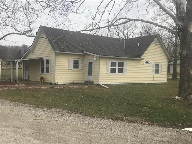 102 W Lincoln Avenue, Lacygne, KS 66040 (#2153892) :: House of Couse Group