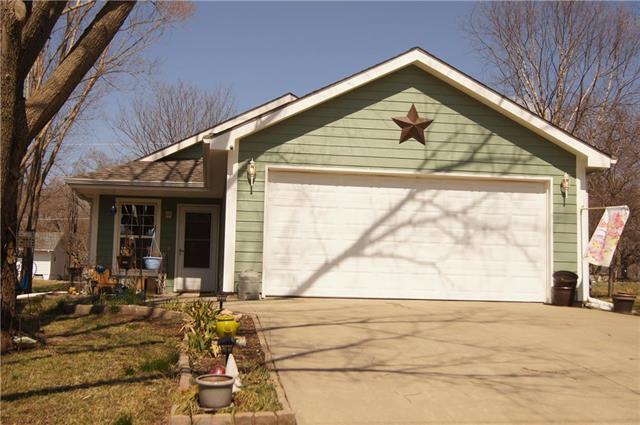 324 Dearborn Street, Baldwin City, KS 66006 (#2153915) :: No Borders Real Estate