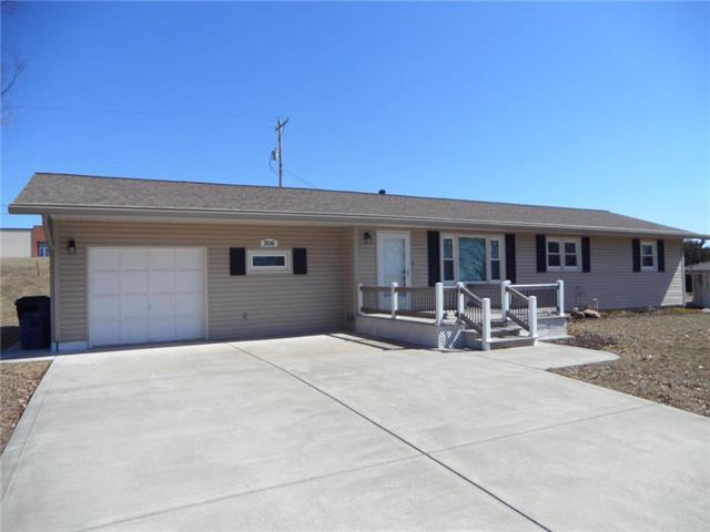 306 S Westview Road, Mclouth, KS 66054 (#2153918) :: No Borders Real Estate