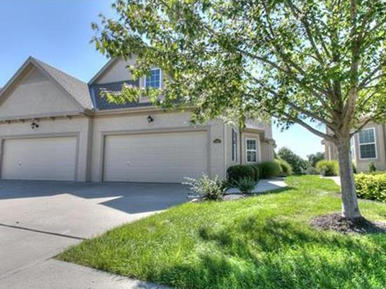 2115 NE 107th Terrace, Kansas City, MO 64155 (#2153950) :: Dani Beyer Real Estate