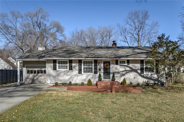 4946 W 78th Place, Prairie Village, KS 66208 (#2153967) :: Edie Waters Network