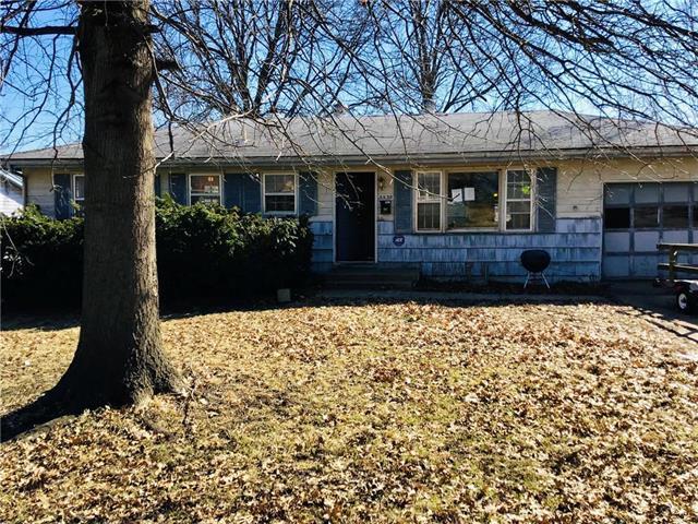 5539 N Garfield Avenue, Kansas City, MO 64118 (#2154011) :: Edie Waters Network
