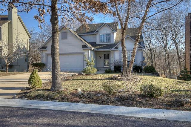 6402 W 155TH Street, Overland Park, KS 66223 (#2154012) :: House of Couse Group
