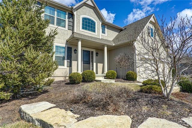 17306 W 198th Terrace, Spring Hill, KS 66083 (#2154112) :: Edie Waters Network