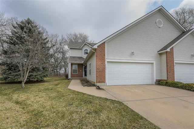 2432 W 137th Place, Leawood, KS 66224 (#2154129) :: House of Couse Group