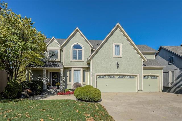 14204 W 72 Street, Shawnee, KS 66216 (#2154136) :: House of Couse Group