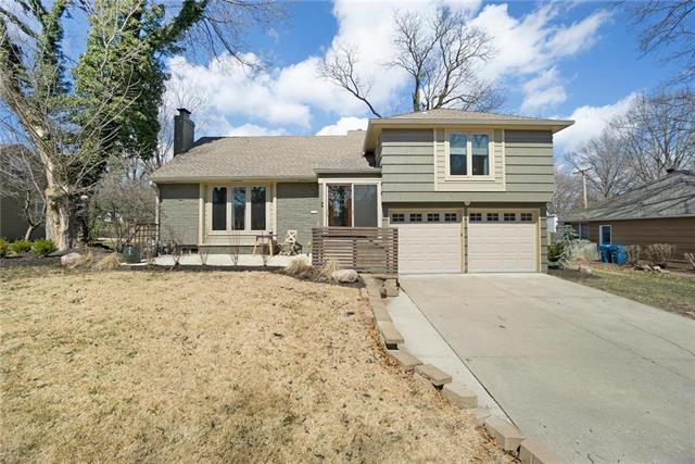 4404 W 67th Street, Prairie Village, KS 66208 (#2154156) :: House of Couse Group