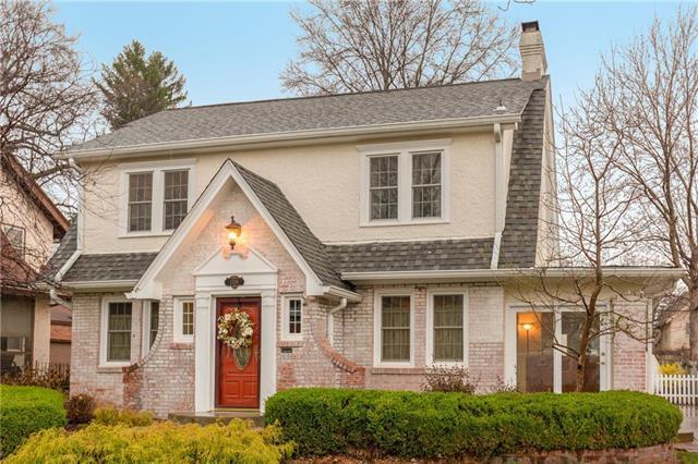 1208 W 72 Street, Kansas City, MO 64114 (#2154205) :: House of Couse Group