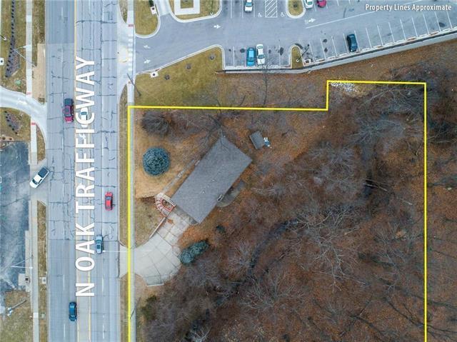 8532 N Oak Trafficway, Kansas City, MO 64155 (#2154225) :: No Borders Real Estate