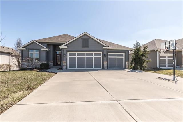11145 N Madison Avenue, Kansas City, MO 64155 (#2154226) :: Dani Beyer Real Estate