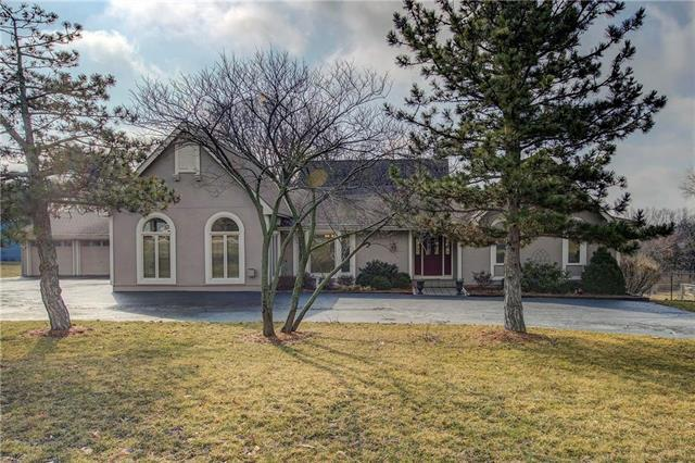 21935 W 73rd Terrace, Shawnee, KS 66218 (#2154293) :: House of Couse Group