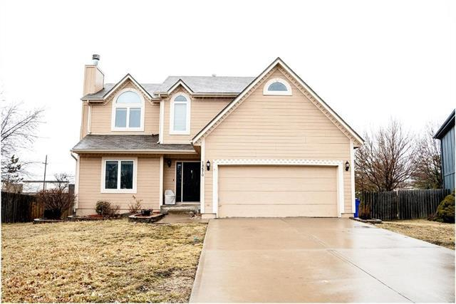 18670 W 159 Terrace, Olathe, KS 66062 (#2154304) :: House of Couse Group