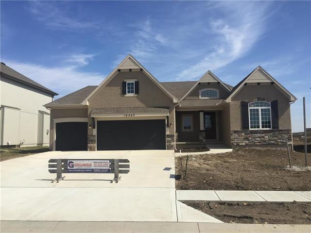16463 S Valhalla Street, Olathe, KS 66062 (#2154322) :: House of Couse Group