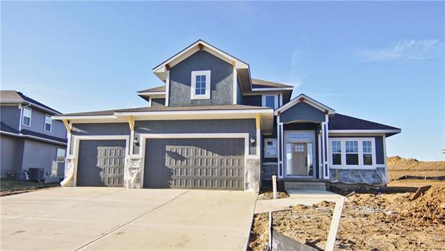1313 NE Brandywine Drive, Lee's Summit, MO 64064 (#2154344) :: House of Couse Group