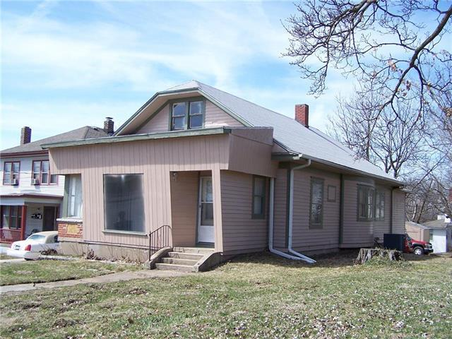 1306 W Lexington Avenue, Independence, MO 64050 (#2154434) :: Edie Waters Network