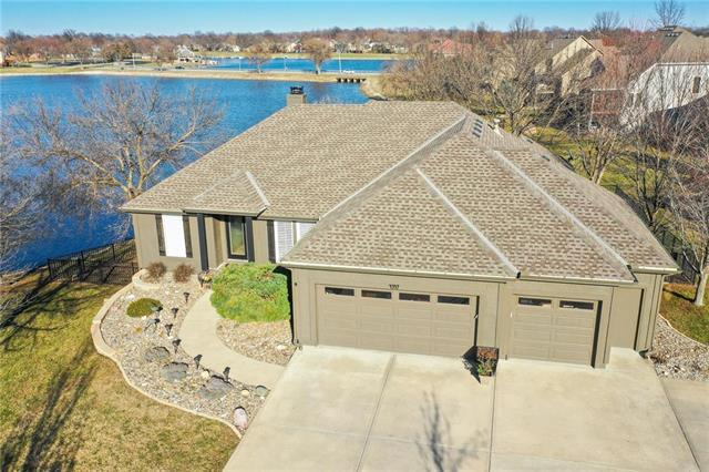 4347 Sw Ward Road, Lee's Summit, MO 64082 (#2154440) :: House of Couse Group