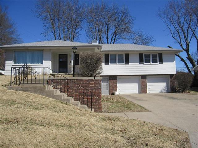 2109 N 35th Street, St Joseph, MO 64506 (#2154452) :: Edie Waters Network