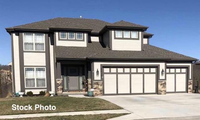5821 Thousand Oaks Drive, Parkville, MO 64152 (#2154456) :: House of Couse Group