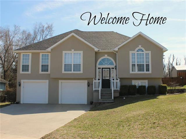 504 Wildwood Court, Warrensburg, MO 64093 (#2154463) :: House of Couse Group