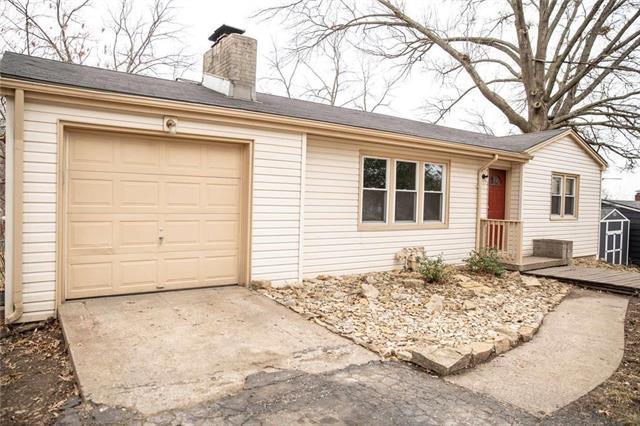 5619 NW Hutson Road, Kansas City, MO 64151 (#2154473) :: Edie Waters Network