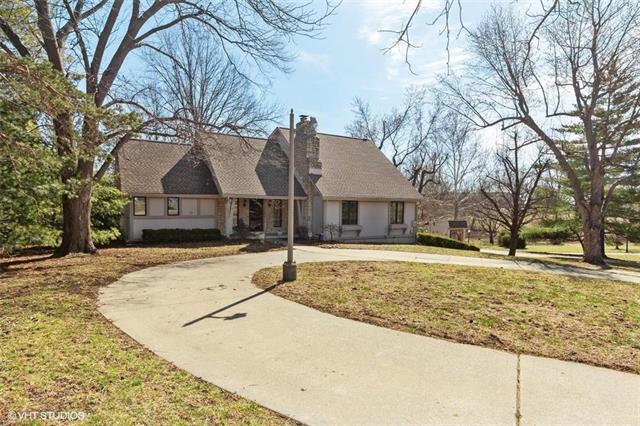 4811 Lee's Summit Road, Kansas City, MO 64136 (#2154476) :: Edie Waters Network