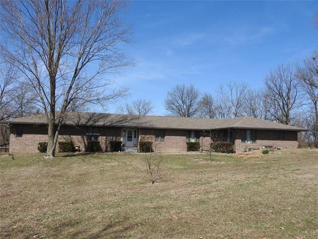 41 NW 105 Road, Warrensburg, MO 64093 (#2154483) :: Edie Waters Network
