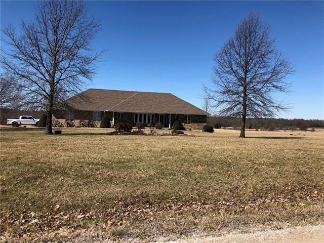 26516 S Freedom Road, Harrisonville, MO 64701 (#2154498) :: Edie Waters Network