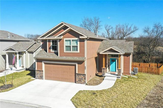 237 Jenny Lane, Raymore, MO 64083 (#2154536) :: The Gunselman Team