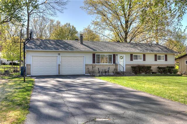 1225 Liberty Dr Terrace, Liberty, MO 64068 (#2154541) :: Eric Craig Real Estate Team