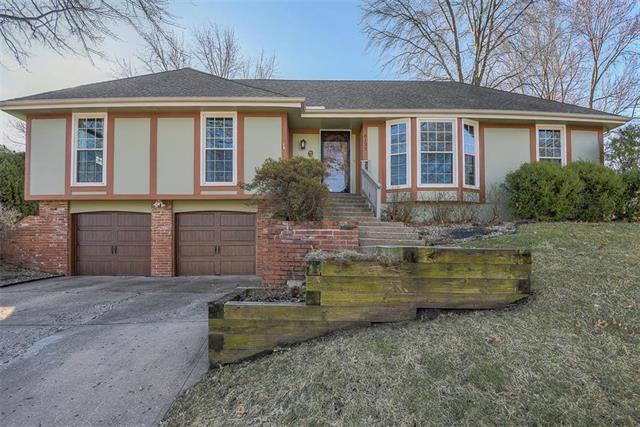 8137 N Kirkwood Avenue, Kansas City, MO 64151 (#2154587) :: Dani Beyer Real Estate