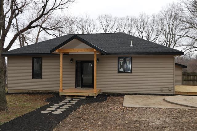 5638 NE Lancaster Street, Kansas City, MO 64119 (#2154659) :: Dani Beyer Real Estate