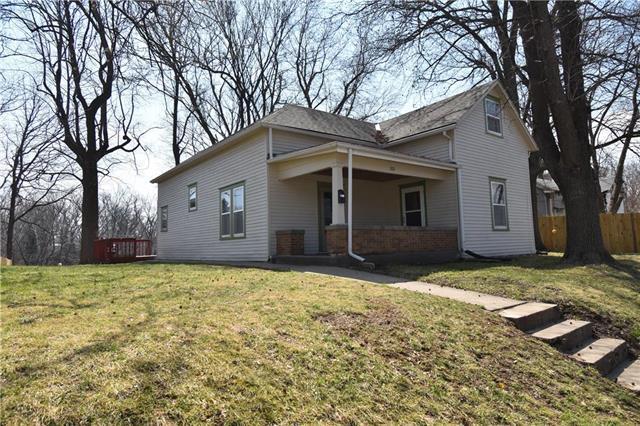 1011 Southwest Boulevard, Lexington, MO 64067 (#2154689) :: House of Couse Group