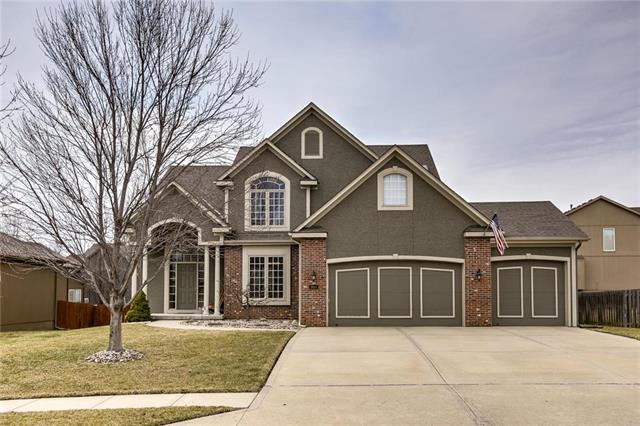 9914 N Lewis Avenue, Kansas City, MO 64157 (#2154701) :: Dani Beyer Real Estate
