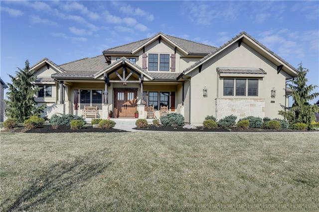 16308 Lucille Street, Overland Park, KS 66062 (#2154716) :: Eric Craig Real Estate Team