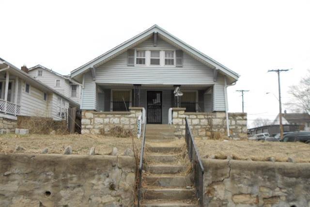 5046 E 6th Street, Kansas City, MO 64124 (#2154753) :: Dani Beyer Real Estate