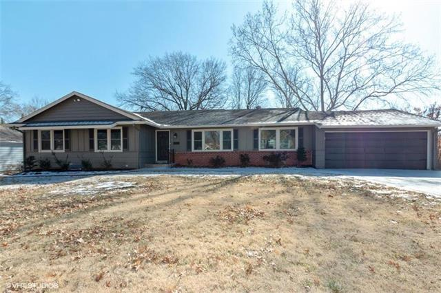 1009 W 100th Terrace, Kansas City, MO 64114 (#2154840) :: House of Couse Group