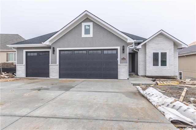 6984 Glenn Lane, Parkville, MO 64152 (#2154854) :: Dani Beyer Real Estate