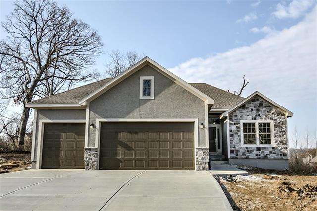 5800 N Bell Court, Kansas City, MO 64118 (#2154966) :: No Borders Real Estate