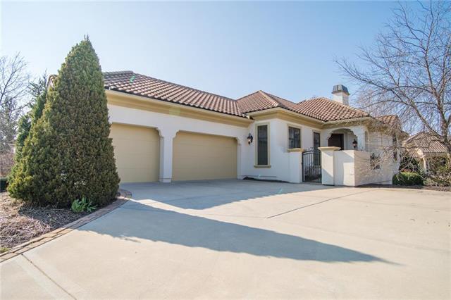 3211 W 138th Street, Leawood, KS 66224 (#2154987) :: Eric Craig Real Estate Team