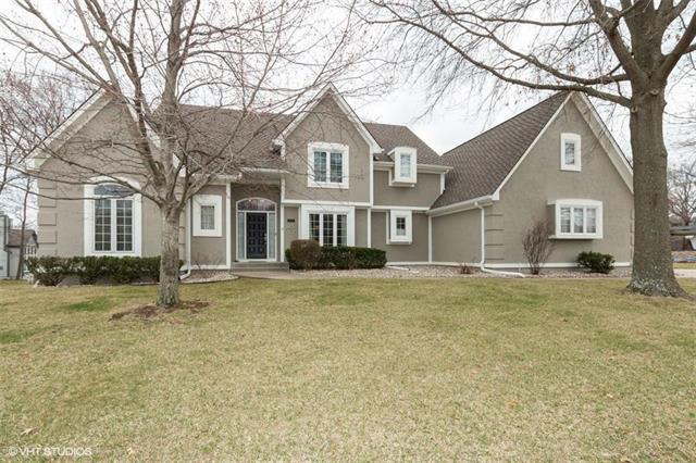 5513 NW Woodhaven Lane, Parkville, MO 64152 (#2155032) :: No Borders Real Estate