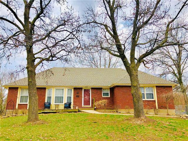 6709 N Euclid Avenue, Gladstone, MO 64118 (#2155088) :: House of Couse Group
